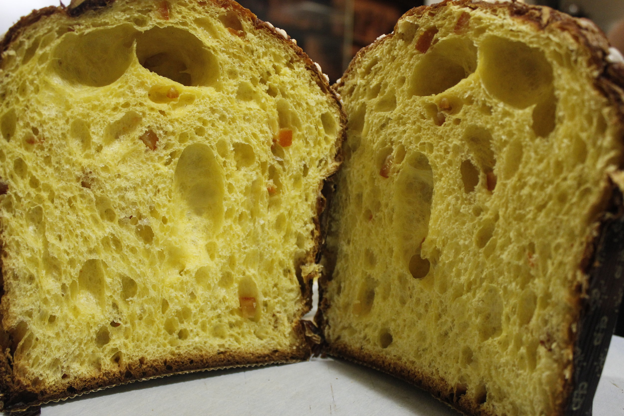 sliced panattone