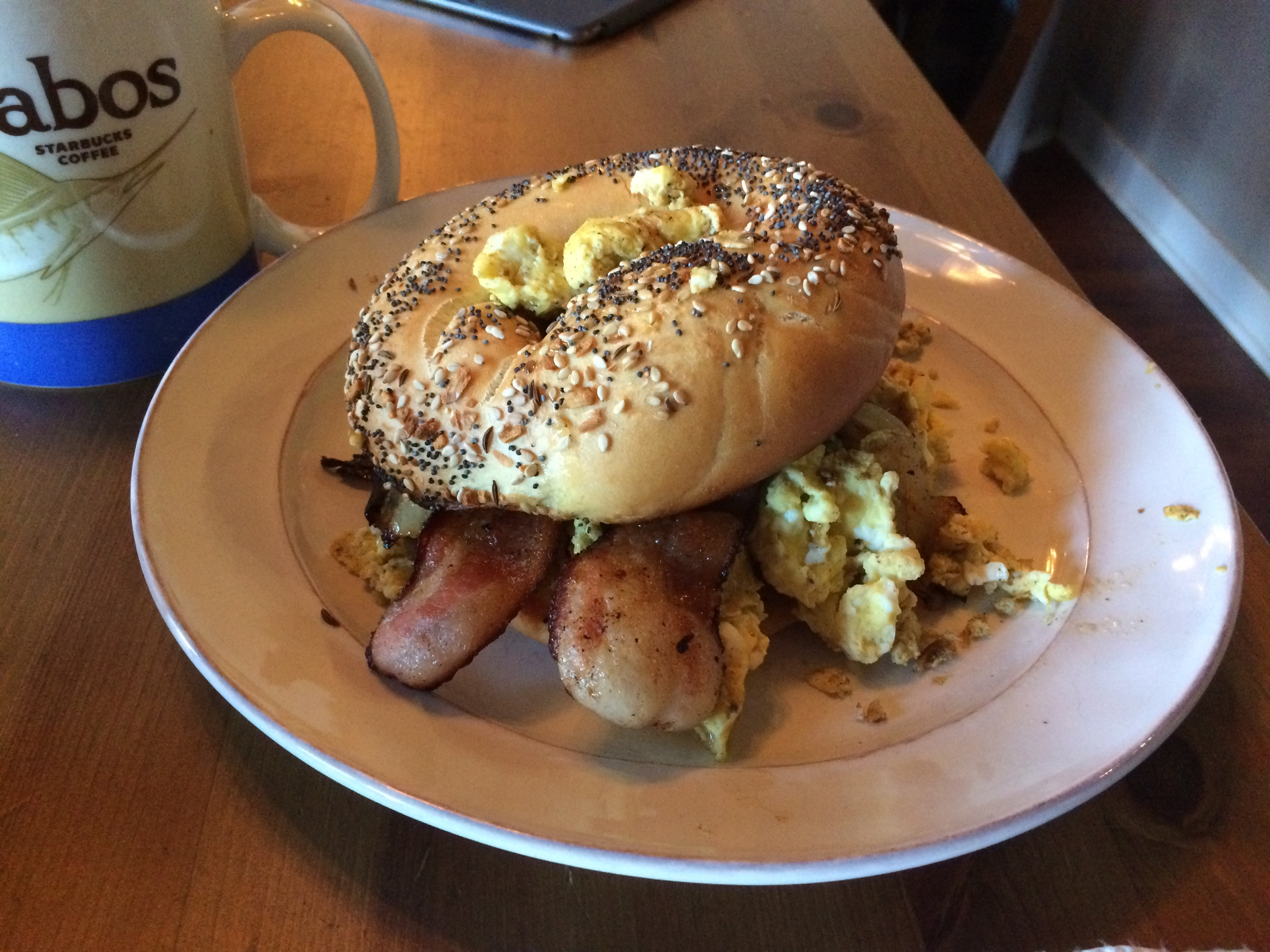 #baconeggandcheese #everythingbagels #bagelflats #mughoarder #starbucks #dreamingofcabo