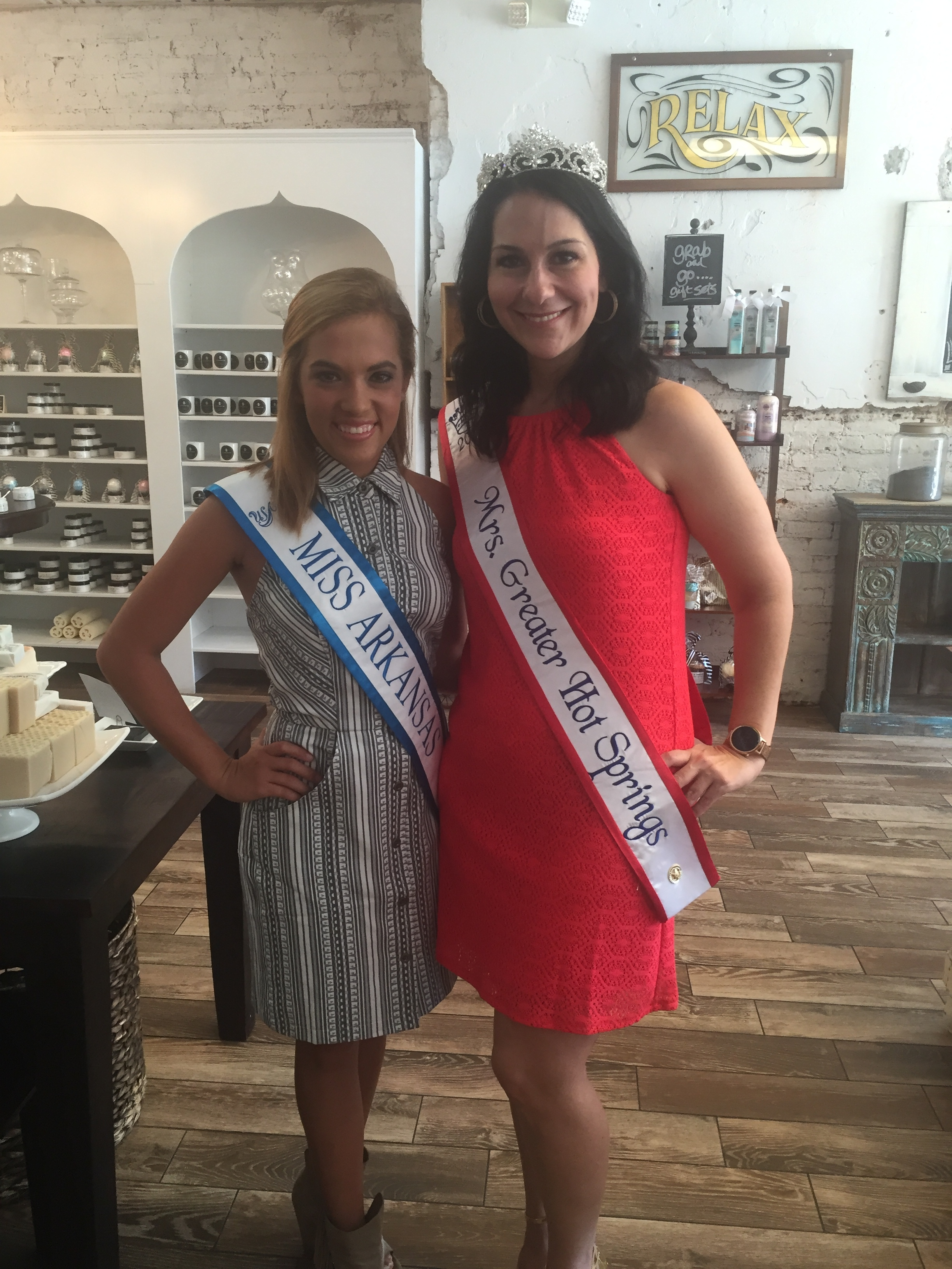 I was fortunate enough that Miss Arkansas was visiting this day as well.
