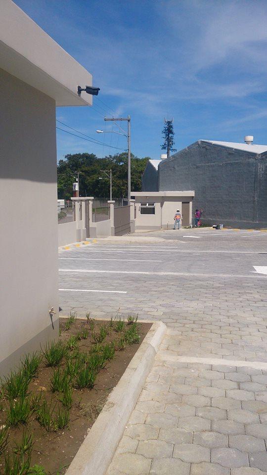 Parqueo El Triangulo, Condado Naranjo