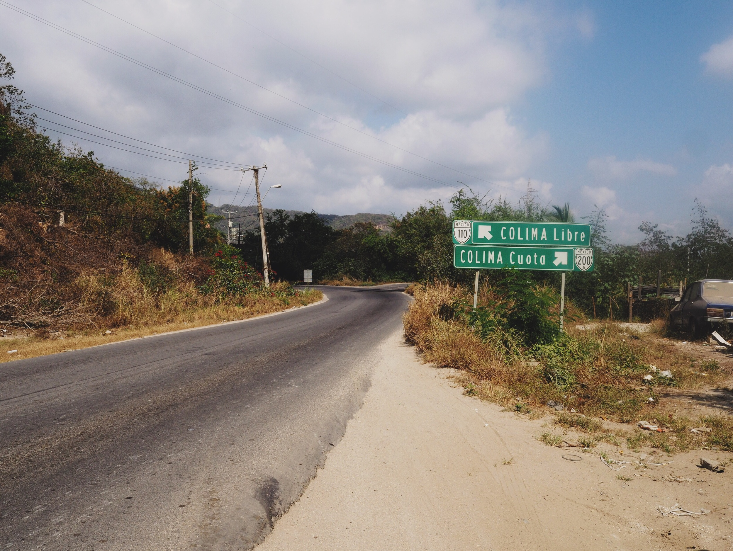 We opted to take the toll road (cuota) into Colima, with more traffic but a nice shoulder