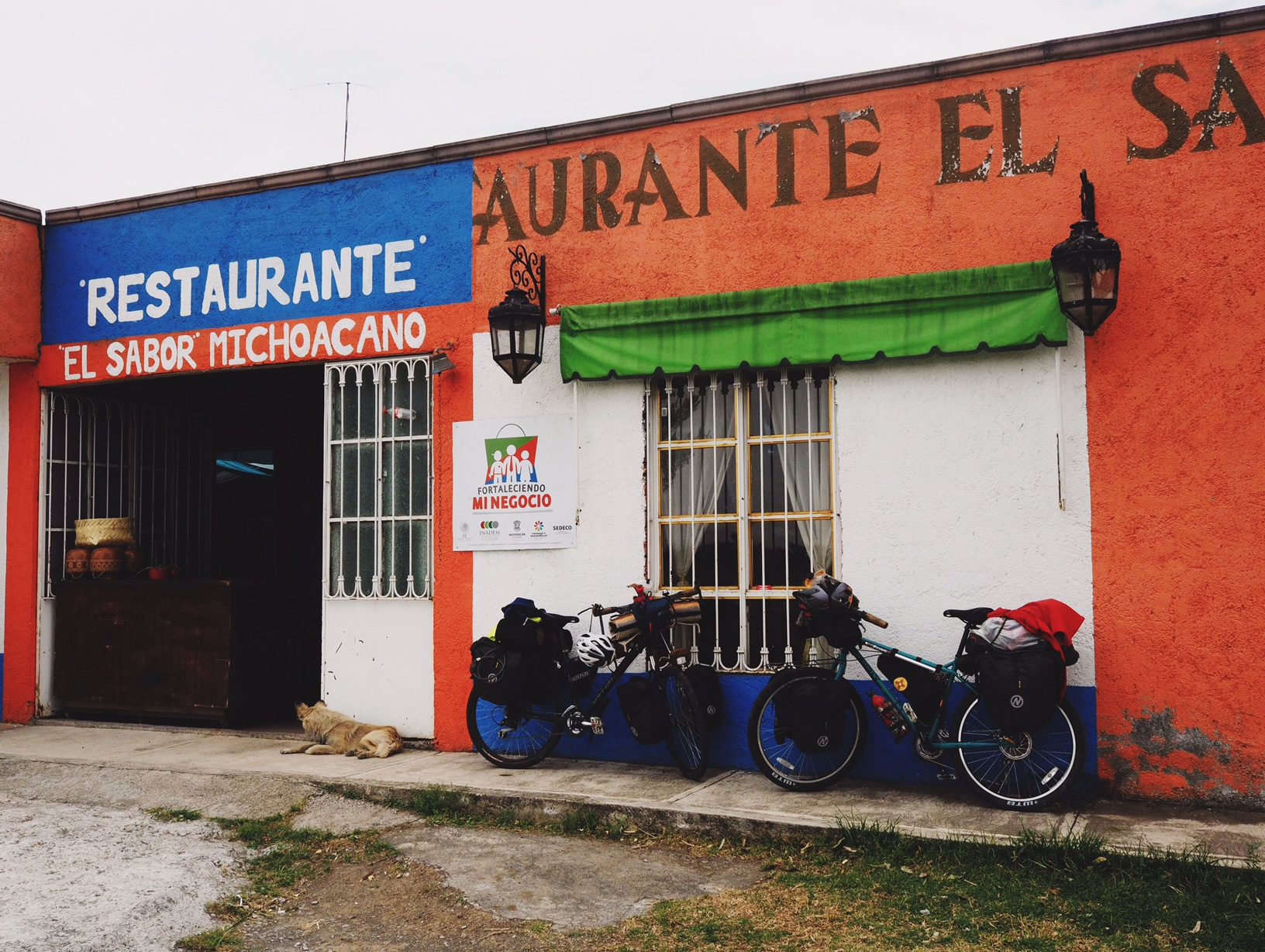 Dipped in for a quick bite at this roadside restaurant outside Morelia