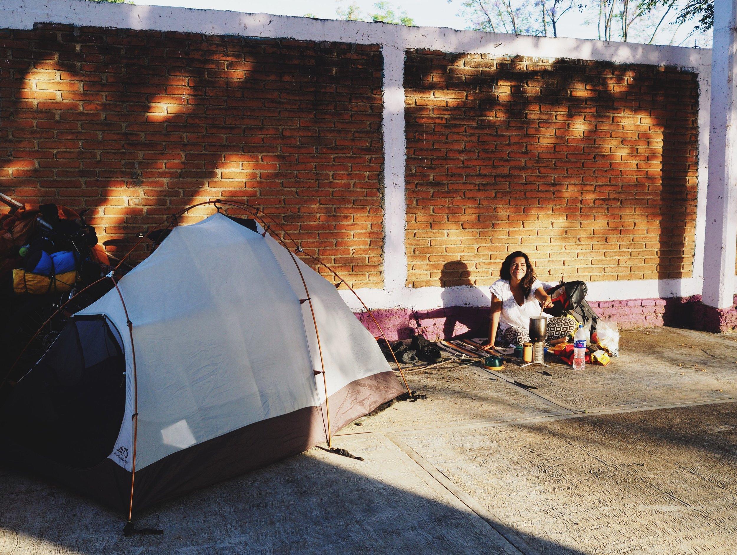 Camping next to the cemetery in Asunción de Ocotlán
