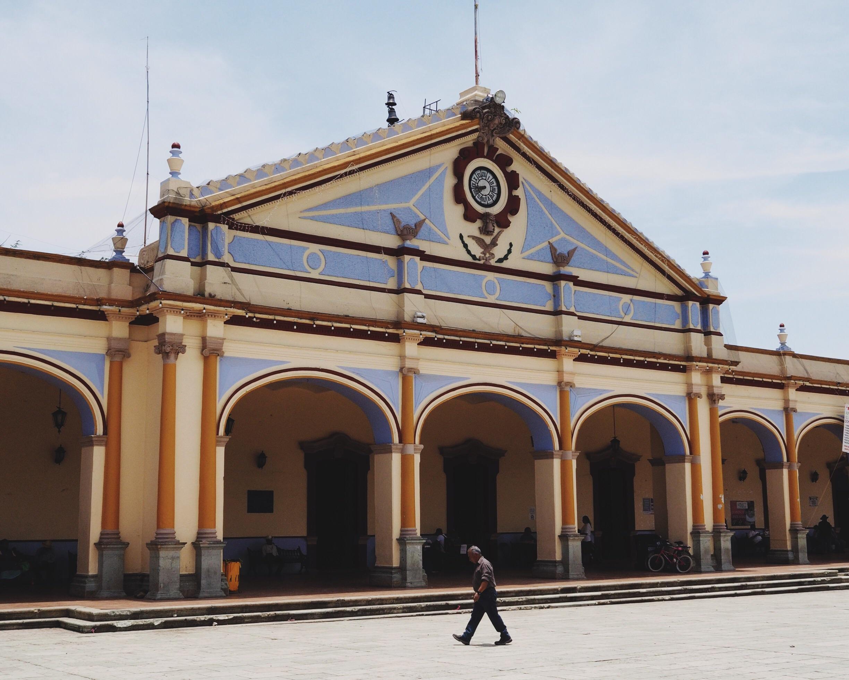 Passing through Ocotlán de Morelos