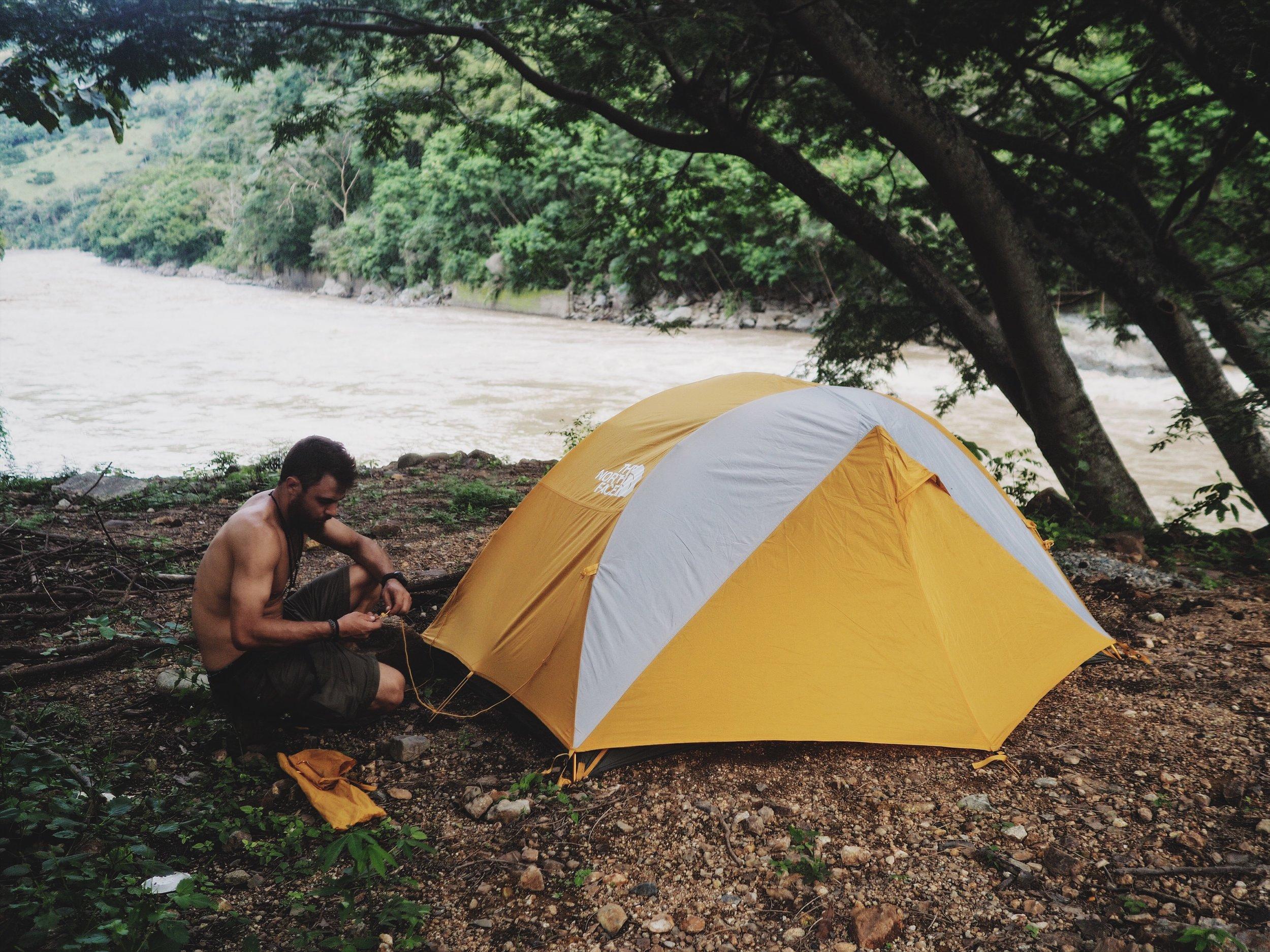 Passing the night along the Rio Cauca