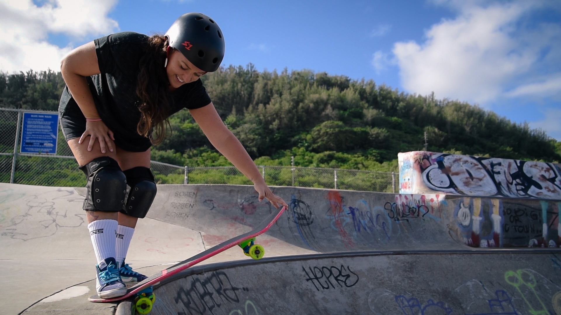 woman dropping in on skateboard by a springfield illinois photographer lydia stuemke