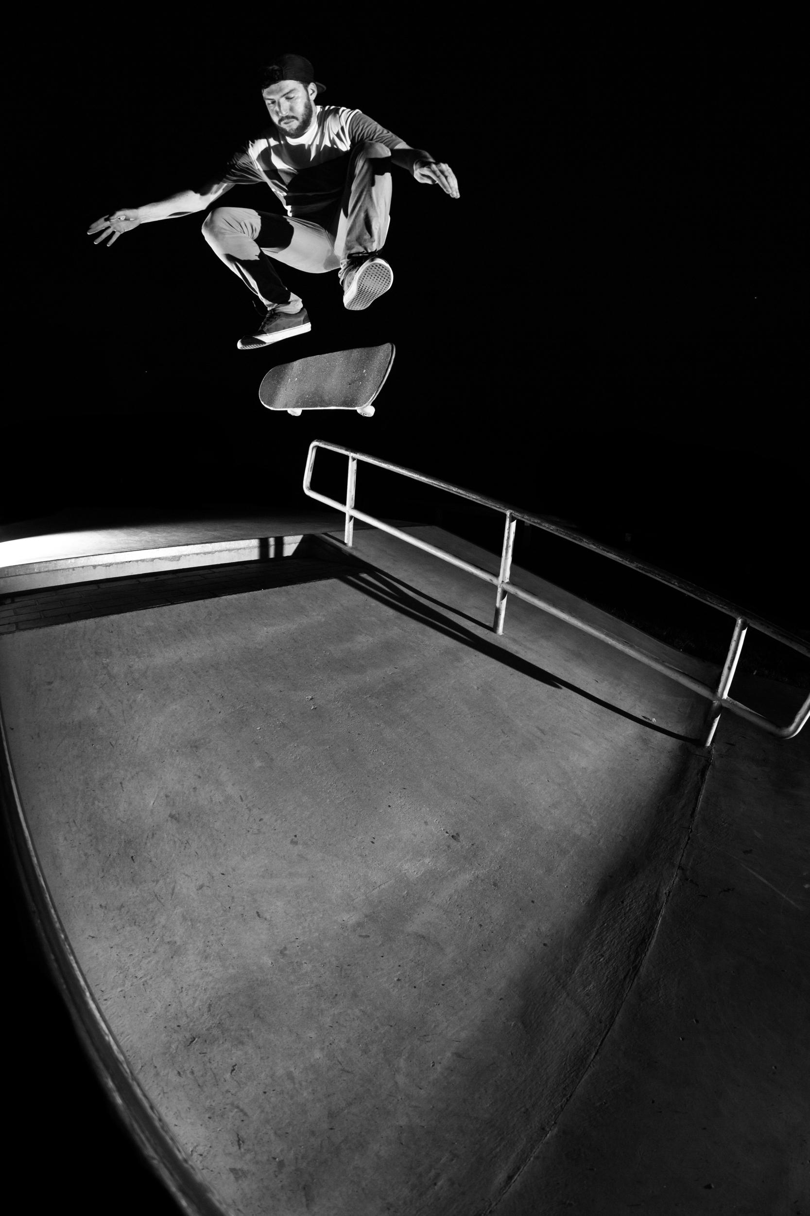 Ryan Dow - Kickflip