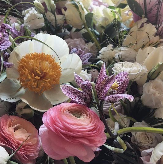 #stilllife #floralart #photo by @putnamflowers