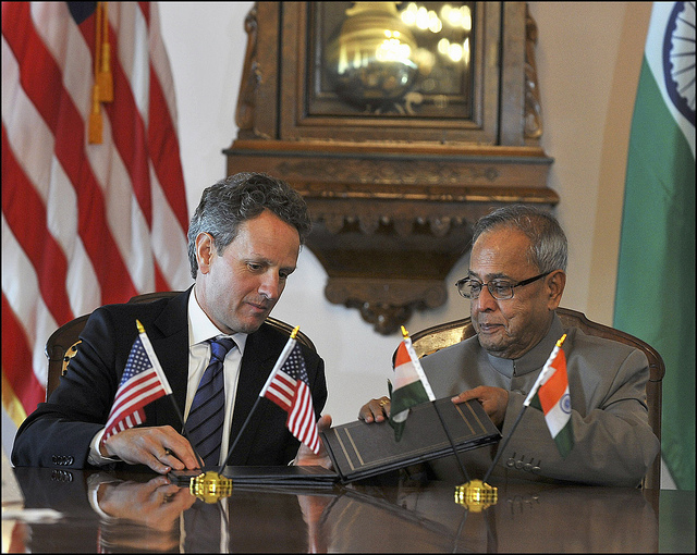 president-pranab-mukherjee-secretary-tim-geithner-photo-by-us-department-of-treasury.jpg