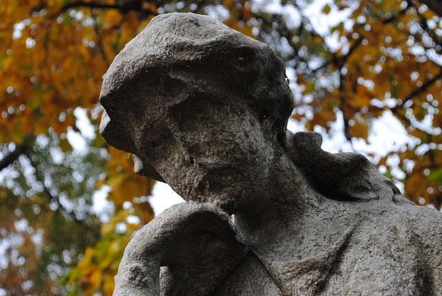 grieving-angel-photo-by-dee-compton.jpg
