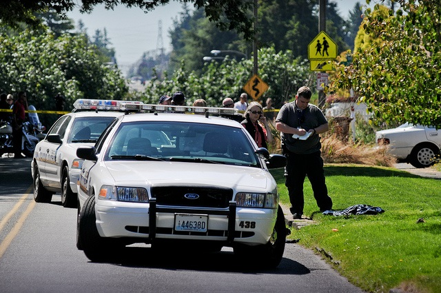 tacoma-police-investigate-shooting-burgulary-suspect-shot-by-contractor-photo-by-bob-carter.jpg