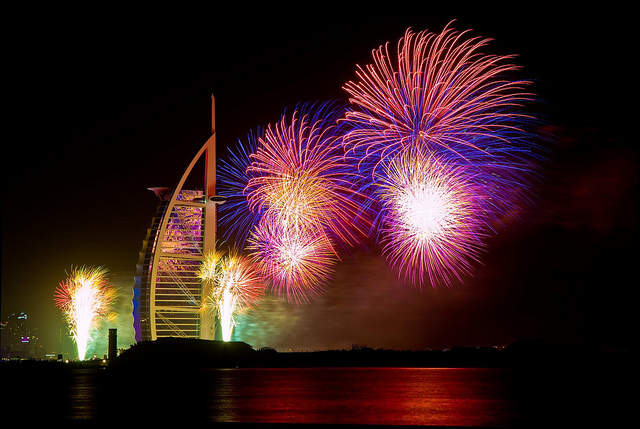 dubai 2014 new years eve fireworks, photo by robin appleby