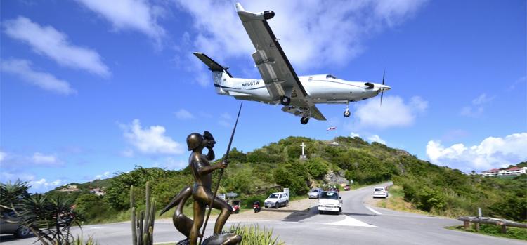 tradewind-jet-landing-in-st-barths.jpg