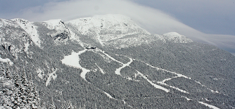 Slopes-at-Stowe-Mountain-Resort-in-Vermont