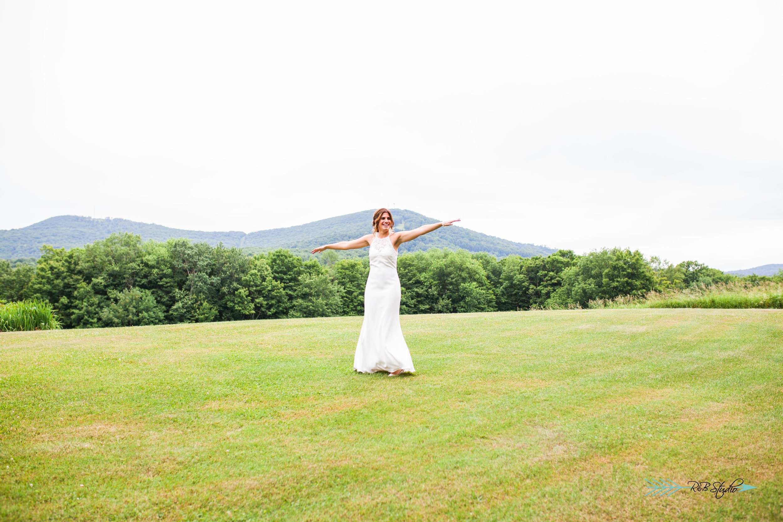 Erin couldn't help but spinning around in front of Elk Mountain like Maria in The Sound of Music!