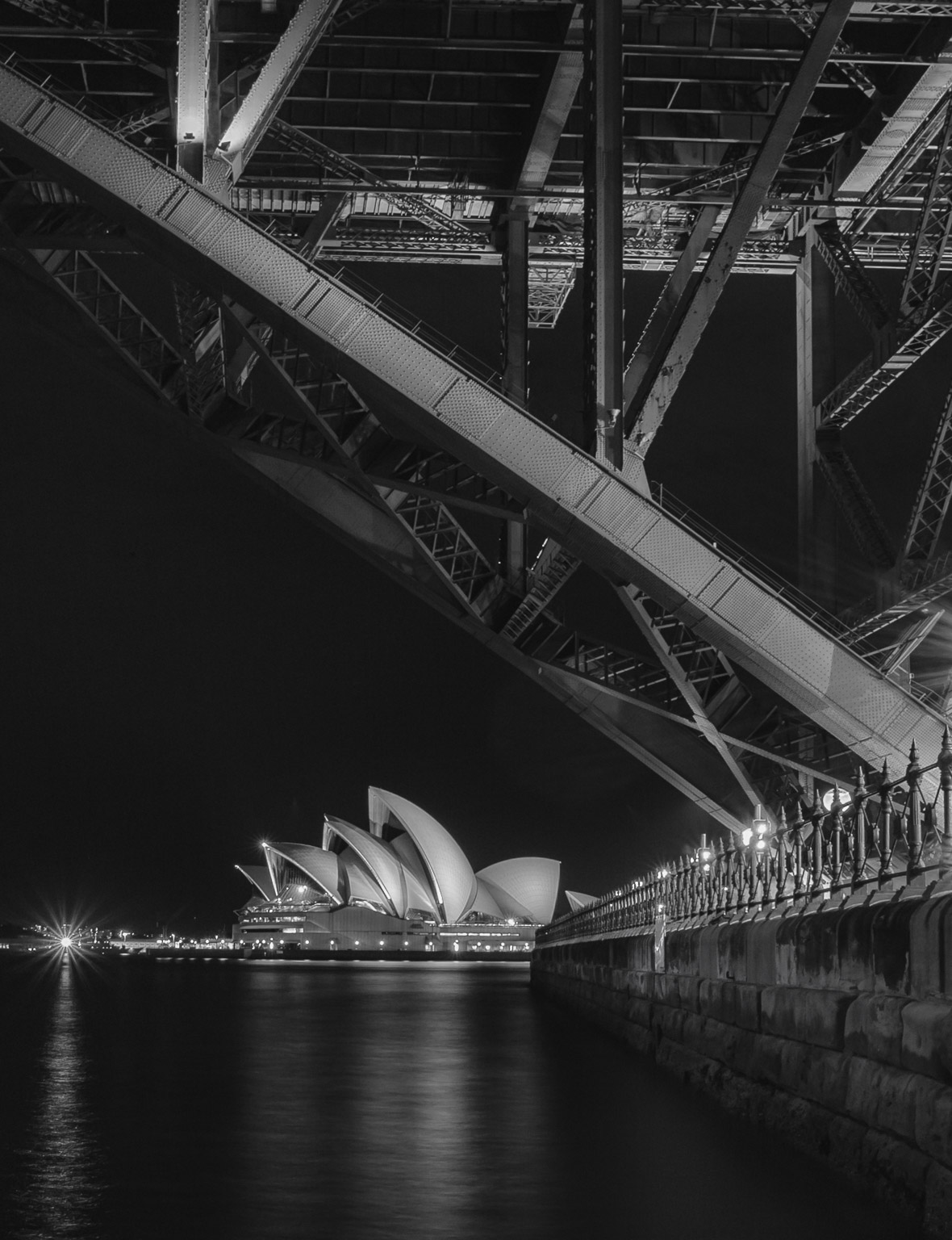 Opera House bw night (1 of 1).jpg