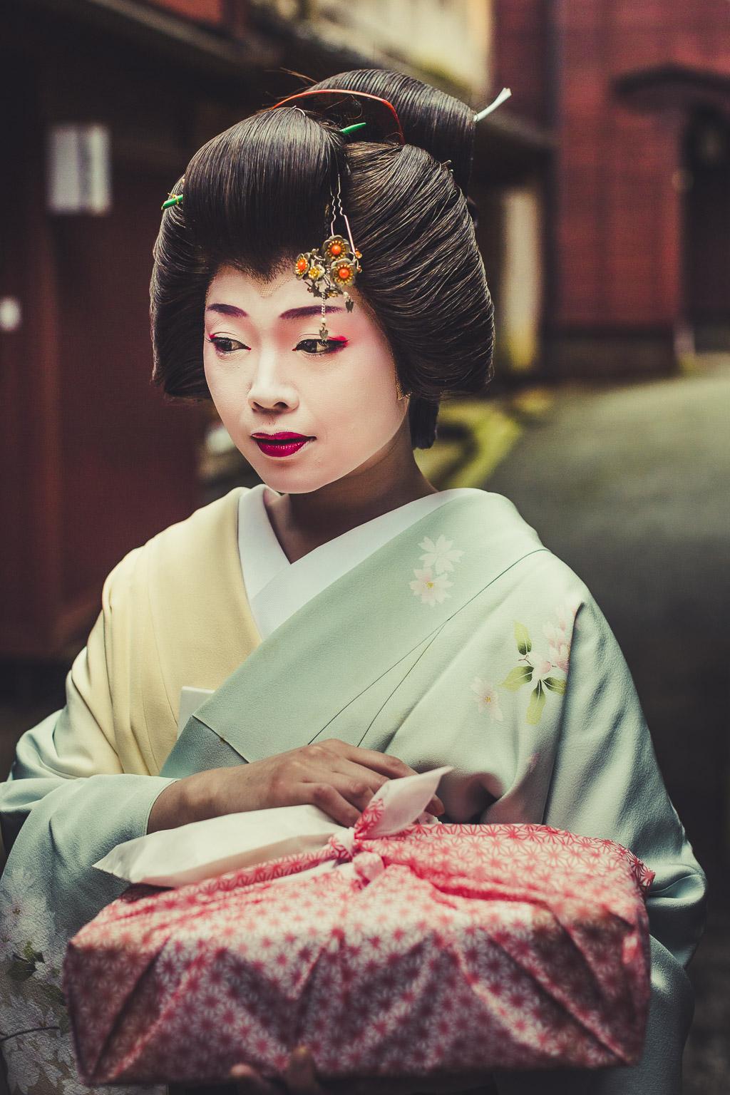 Geisha in Shimonshincho