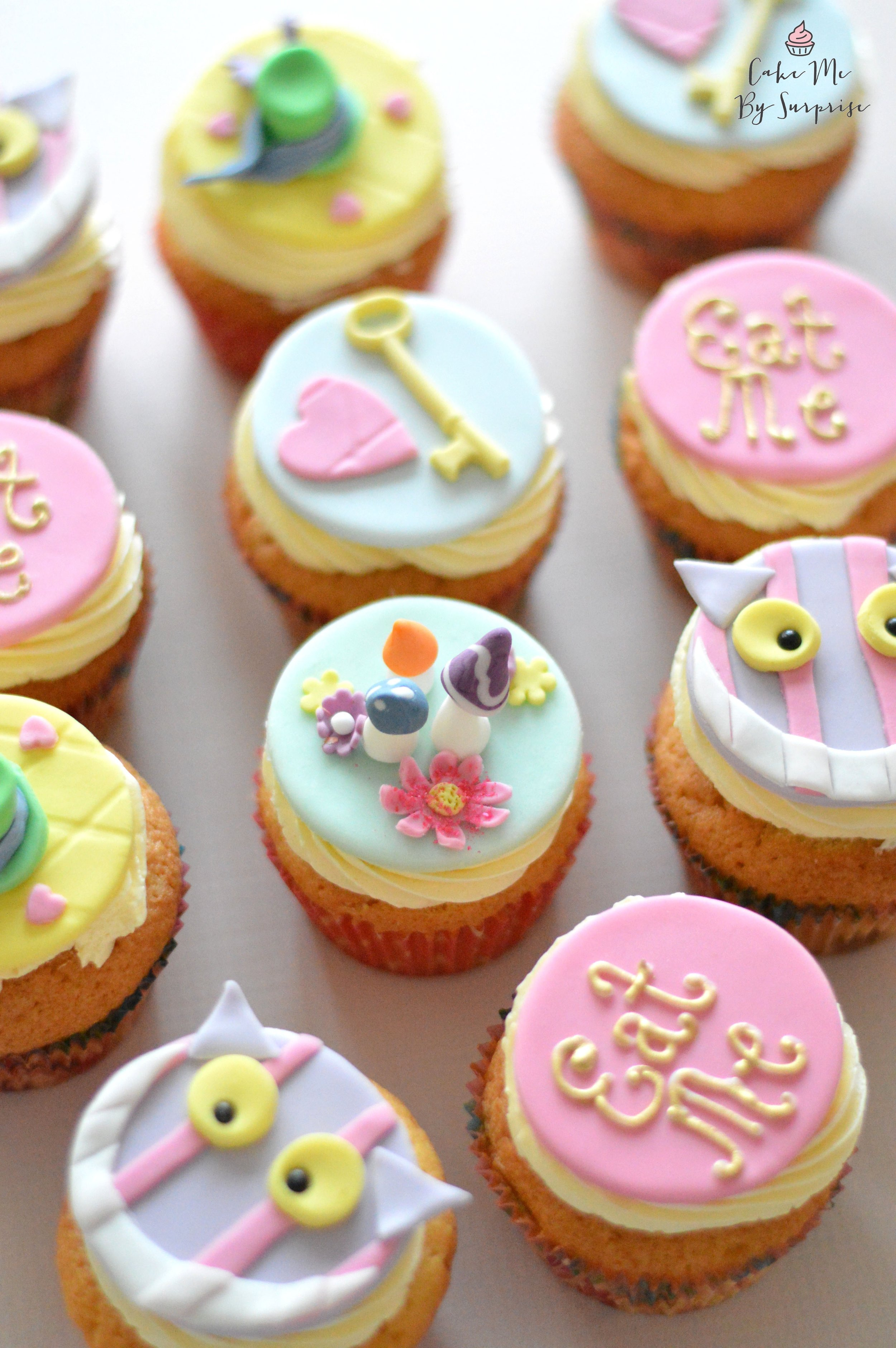 £38.00 for 12  Bespoke plaque cupcakes make the perfect treat for your party table. Personalise the design to fit your theme.