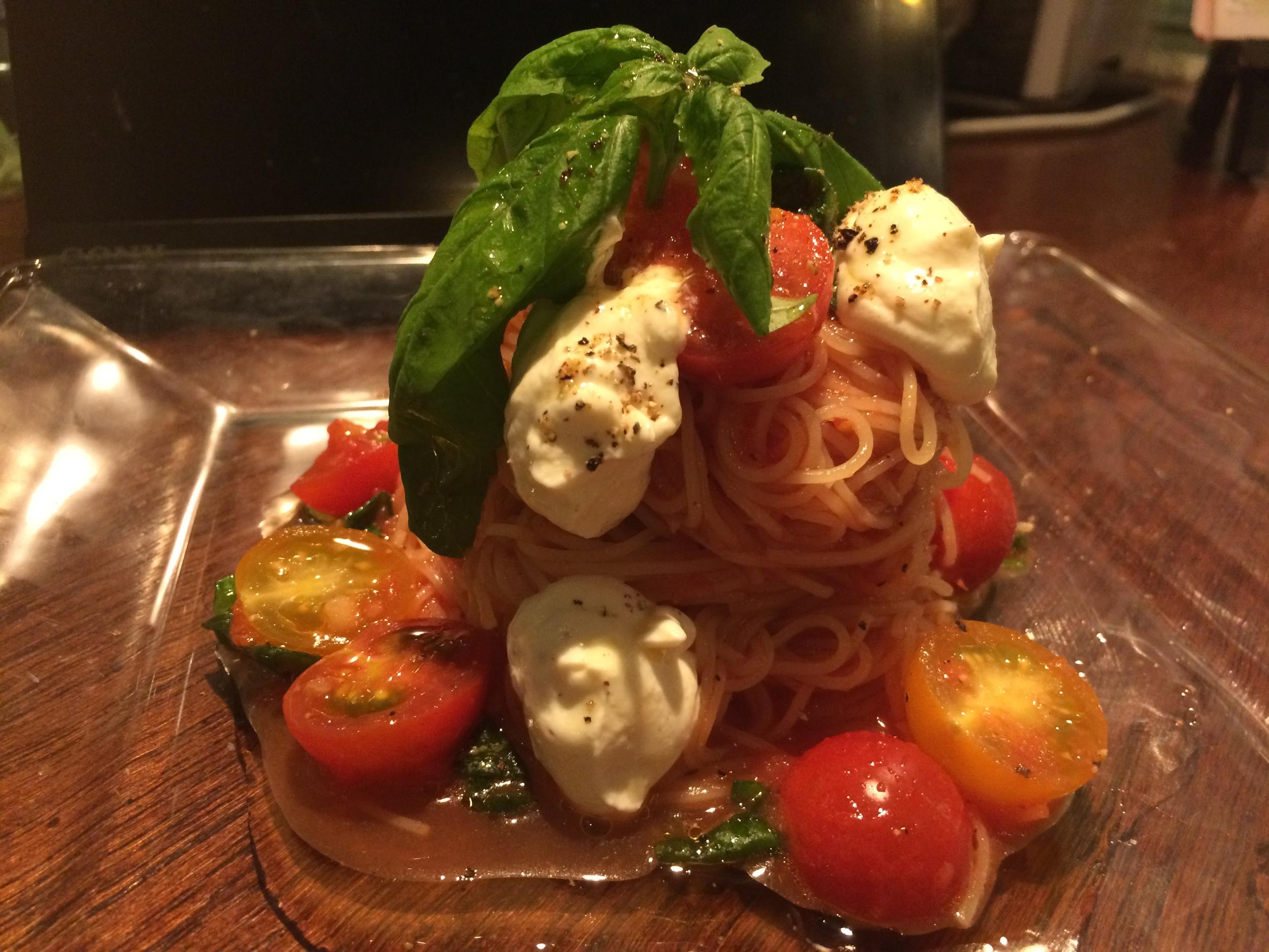 冷製 彩りトマトとリコッタチーズのカッペリーニ