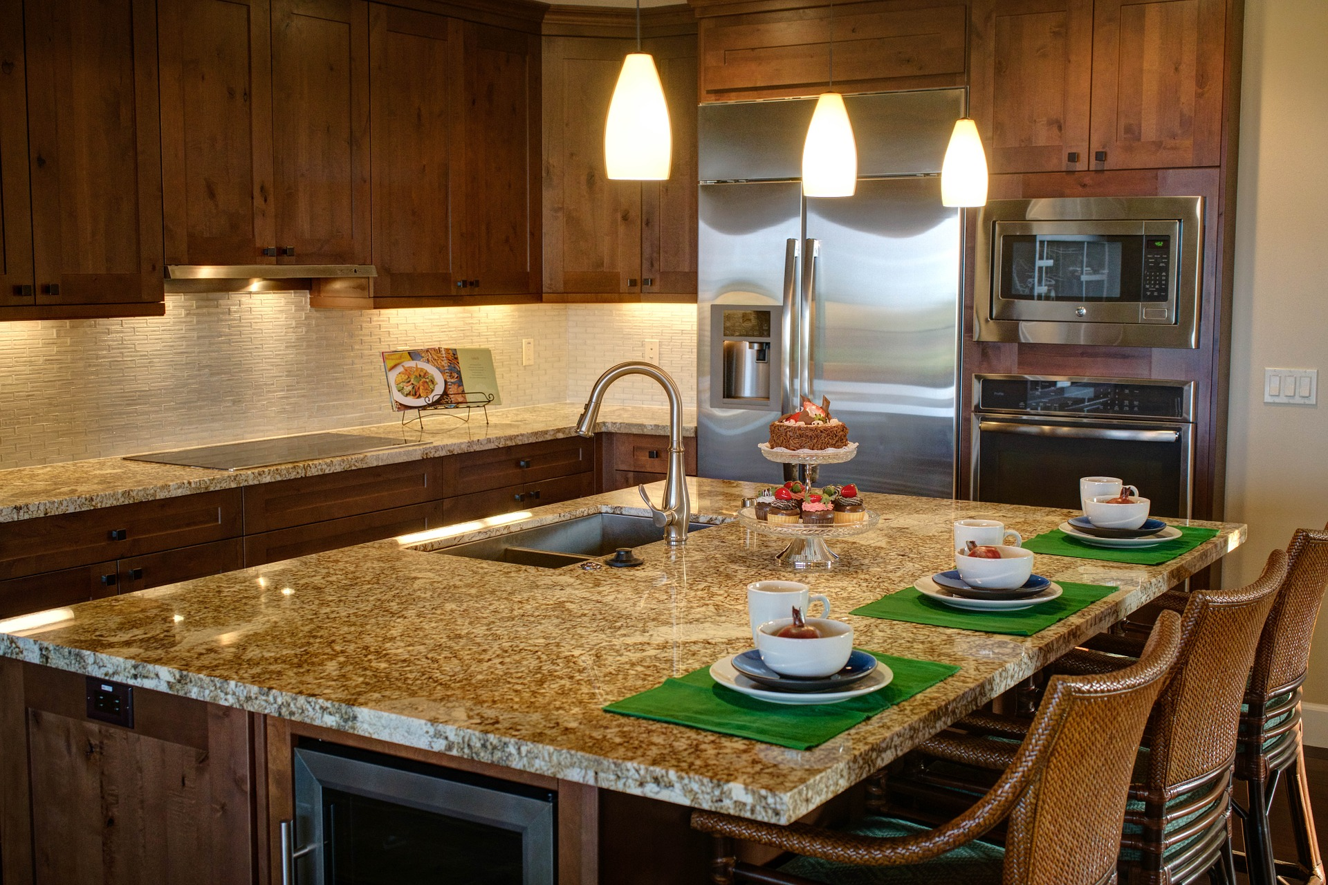Picking out the best kitchen hardware for your Mars, PA home remodel