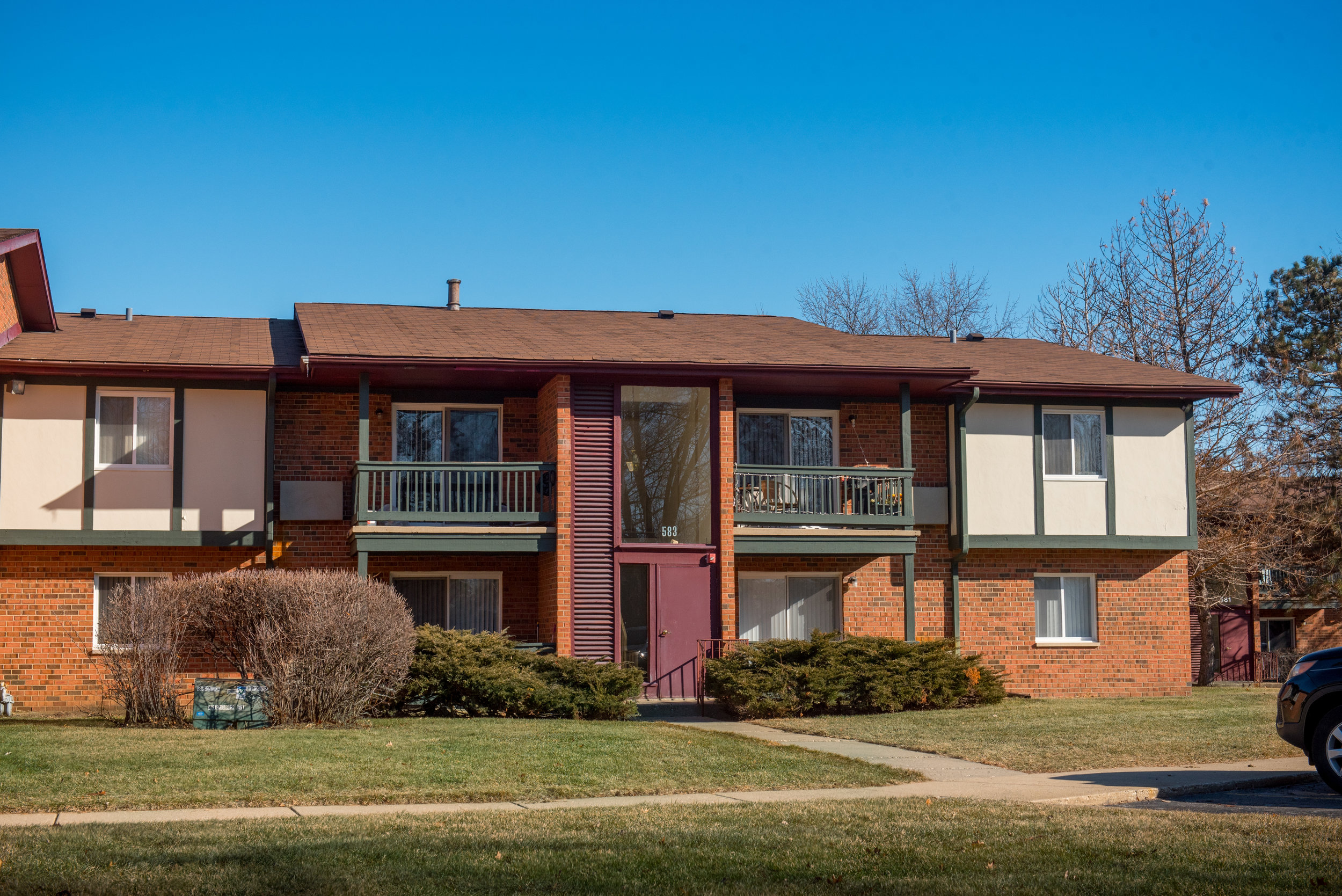 Darlington Court Condominiums, Crystal Lake, IL