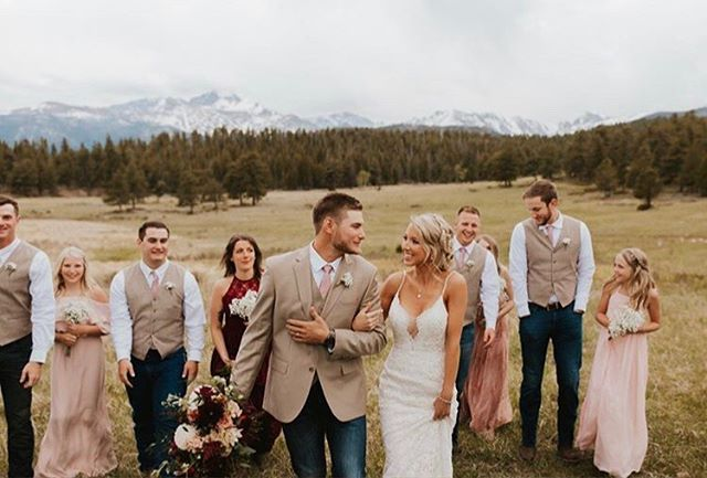 The mountains are calling. 📸: @forthewestandwild . . . . . #makeup #makeupartist #mua #bridalhair #weddinghair #bridalmakeup #weddingmakeup #bridalmakeupartist #weddingmakeupartist #coloradowedding #coloradobride #mountainwedding #mountainbride #outdoorwedding #destinationwedding #elopementwedding #travelingmakeupartist #coloradomakeupartist #esteswedding #adventurouswedding #aspenwedding #denverwedding #bohobride #bohowedding #coloradoelopement #beautymakeup #coloradomakeupartist #denvermakeupartist #bouldermakeupartist