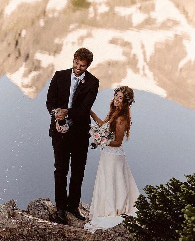 Love my sunrise elopement brides! ❤️❤️ There's nothing quite like a 1AM chat with a bride-to-be. 📸: @adventureinstead . . . . . #makeup #makeupartist #mua #bridalhair #weddinghair #bridalmakeup #weddingmakeup #bridalmakeupartist #weddingmakeupartist #coloradowedding #coloradobride #mountainwedding #mountainbride #outdoorwedding #destinationwedding #elopementwedding #travelingmakeupartist #coloradomakeupartist #vailwedding #adventurouswedding #aspenwedding #denverwedding #bohobride #bohowedding #coloradoelopement #beautymakeup #coloradomakeupartist #buenavistawedding #buenavistamakeupartist