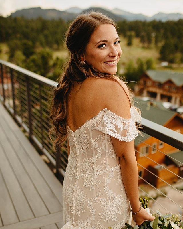 A beauty on her big day. . . . . . #makeup #makeupartist #mua #bridalhair #weddinghair #bridalmakeup #weddingmakeup #bridalmakeupartist #weddingmakeupartist #coloradowedding #coloradobride #mountainwedding #mountainbride #outdoorwedding #destinationwedding #elopementwedding #travelingmakeupartist #coloradomakeupartist #vailwedding #adventurouswedding #aspenwedding #denverwedding #bohobride #bohowedding #coloradoelopement #beautymakeup #coloradomakeupartist #buenavistawedding #buenavistamakeupartist