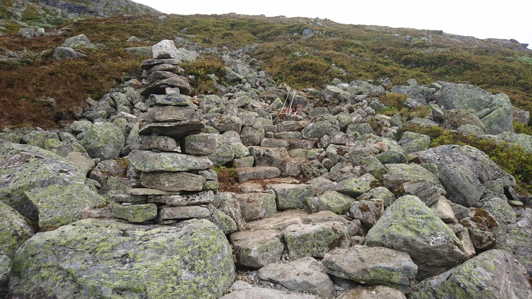 Stein på stein.