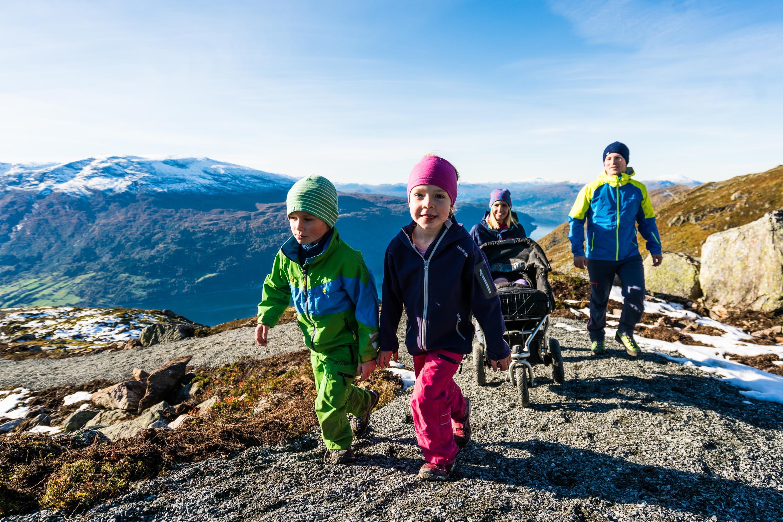 På veg til Skredfjellet. Foto: Bård Basberg