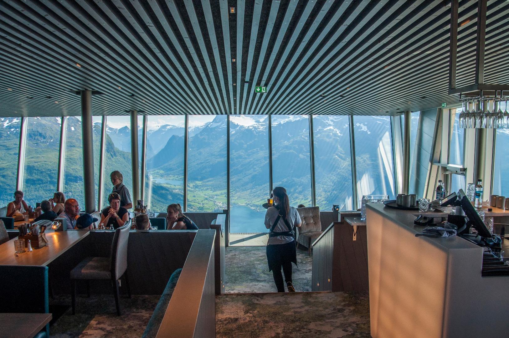 Hoven Restaurant. Lars Korvald/Loen Skylift