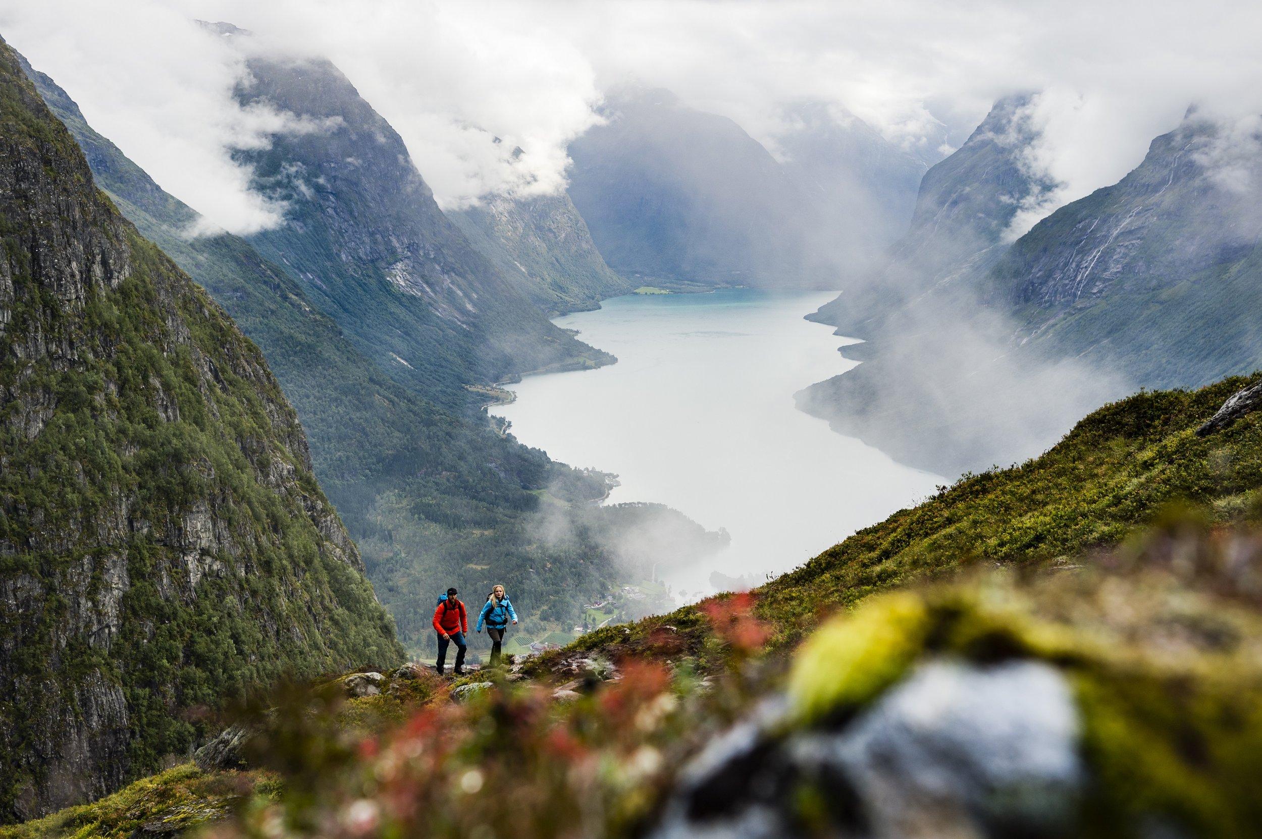 Vandring på Hoven. Foto: Mattias Fredriksson/Fjord Norge