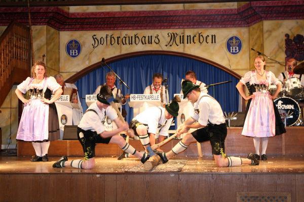 Hofbrauhaus show