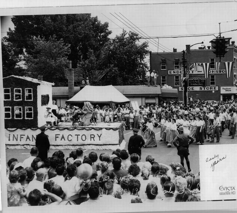 Fraileyparade-07-09-1952-PH.jpg
