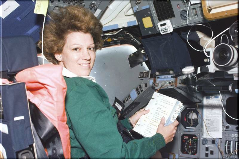 Colonel Collins at work on STS-93