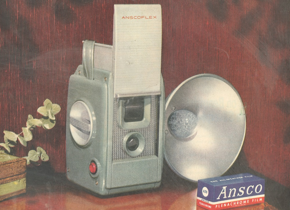 Ansco Flex camera 1950s-60s  1000 px.jpg