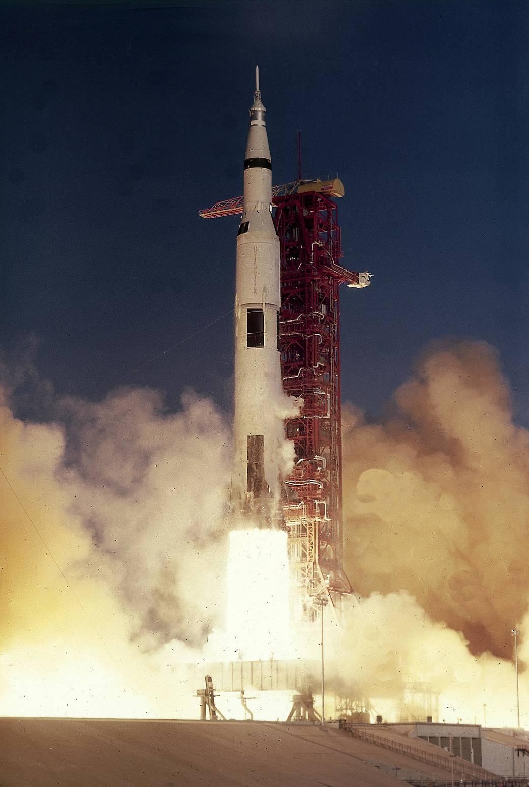 1968-12-21 liftoff saturn.jpg