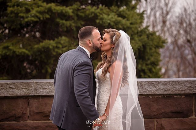 Check out this first kiss during the First Look ! Congrats to Megan and Justin on their special Day !