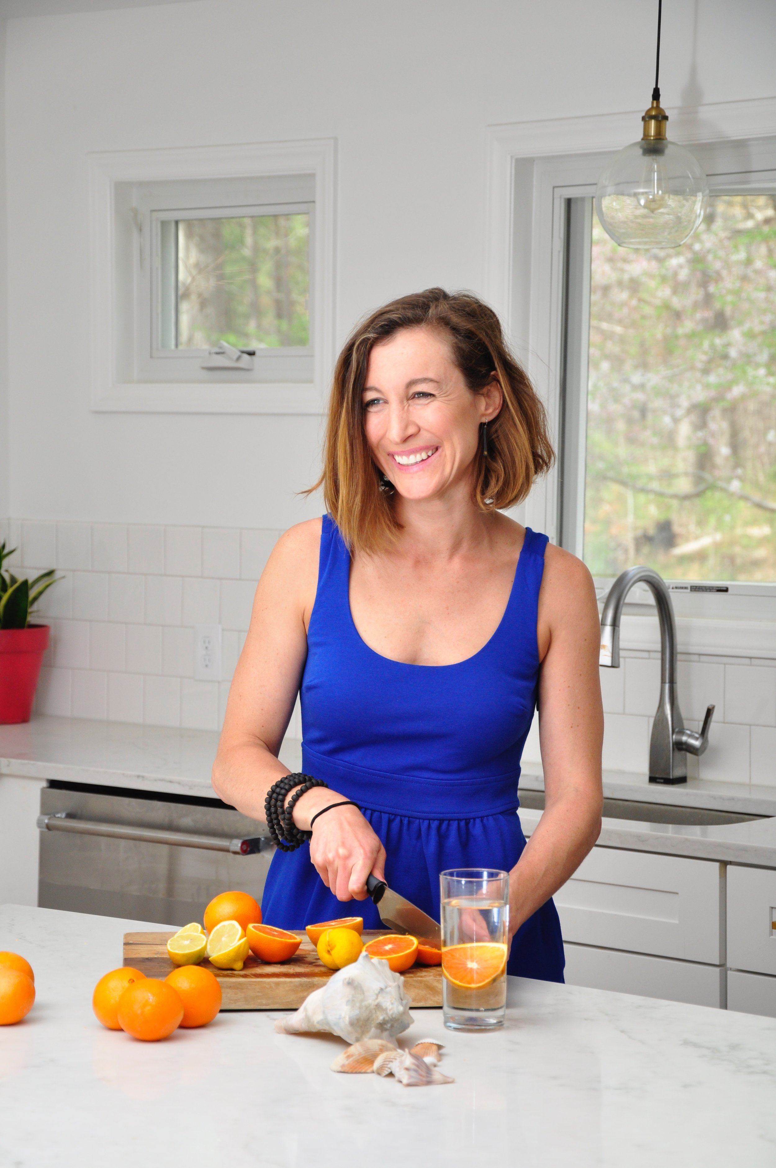Sarah Smith is a personal trainer and lifestyle coach working with busy women in-person and online to help them feel confident and content in their bodies and their lives. -