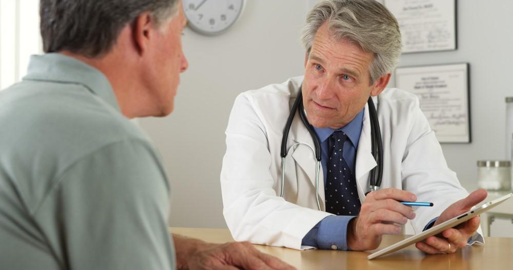 DoctorTalkingToPatient.jpg