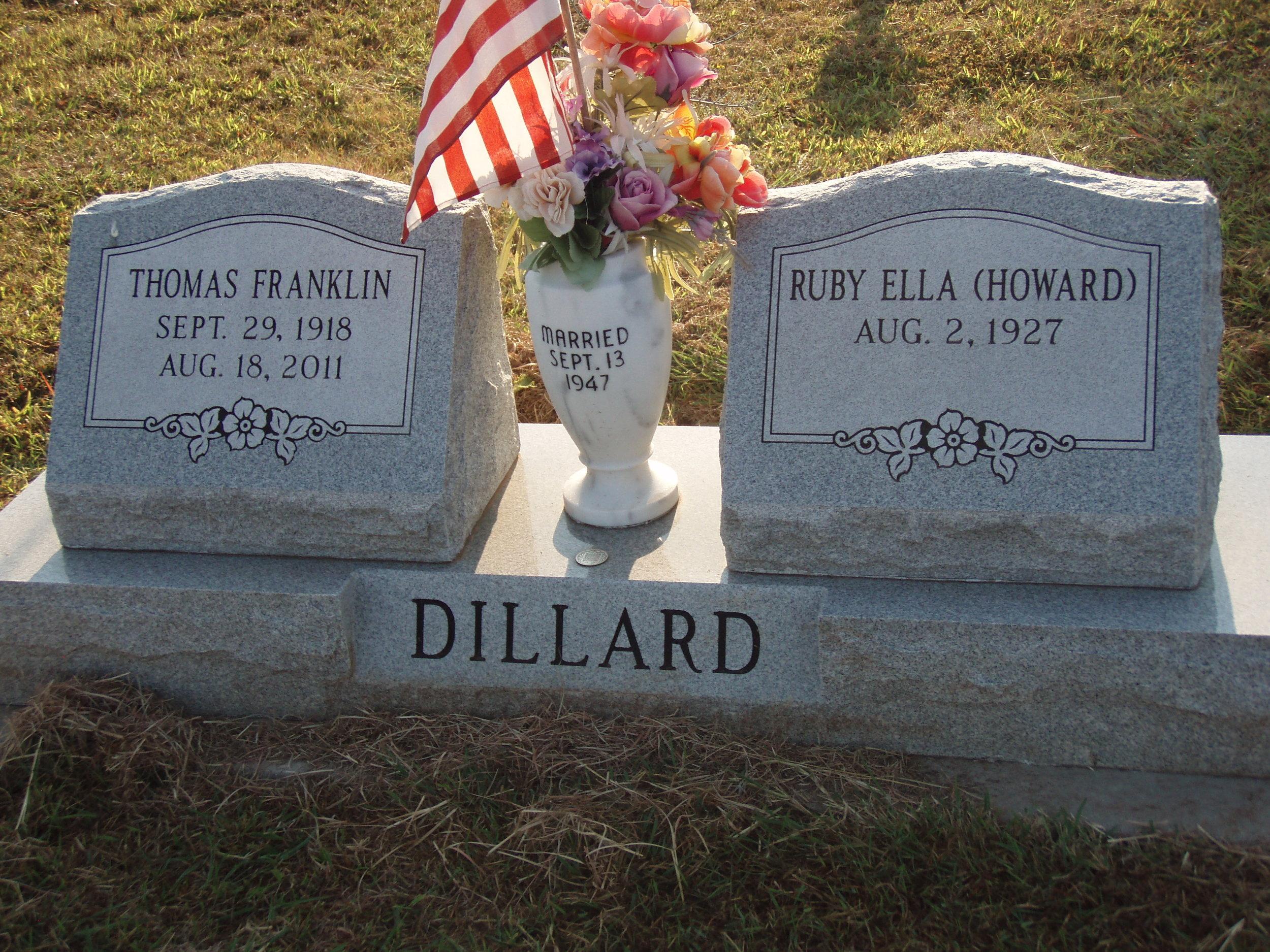 Dillard headstone front.JPG