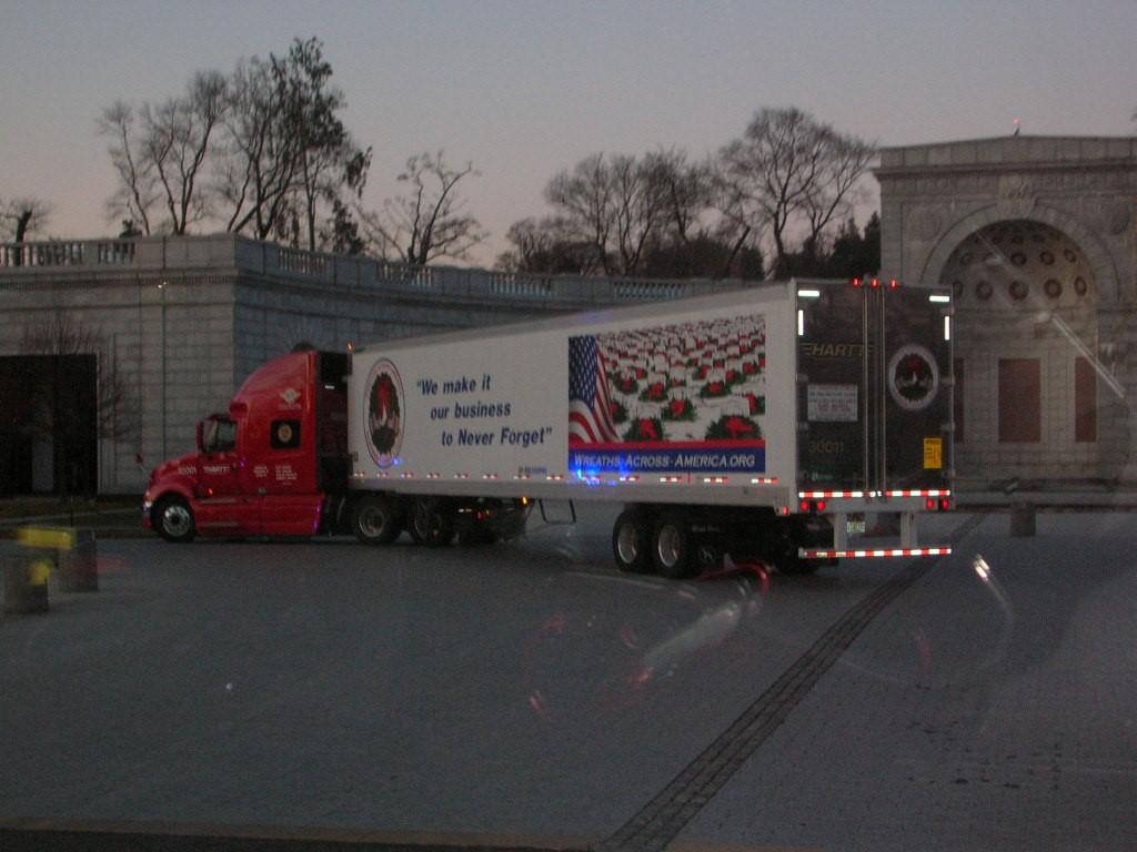 2008 WAA truck going into Arlington (Medium).JPG