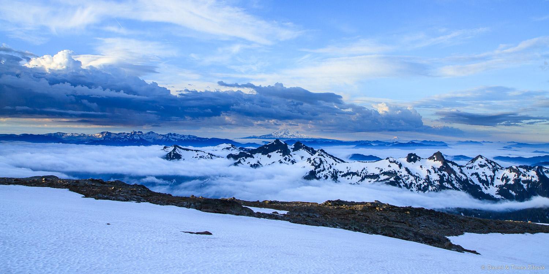 View from the Muir Snowfield across the Tatoosh Range towards Mount Adams and Hood- IMG_1328 © Zilcsak.jpg