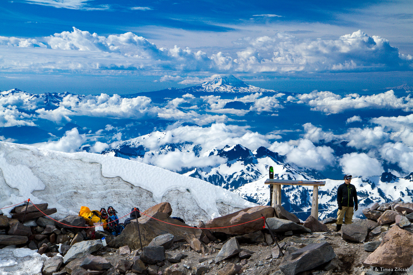 View from Camp Muir, the Rainier base camp above the clouds - more precisely 10080 ft high.