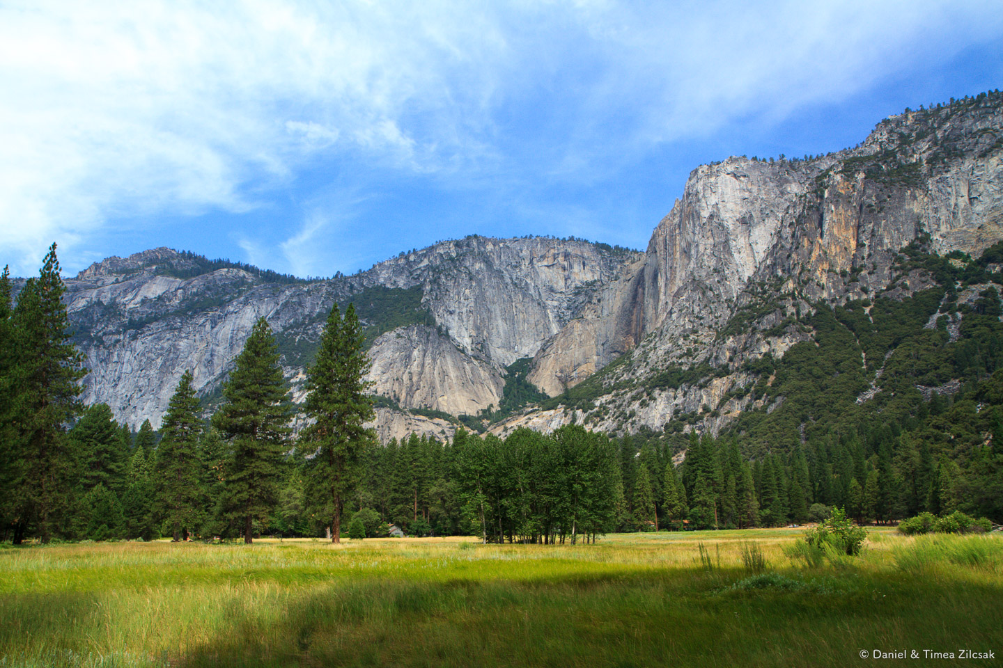 Mountain vews from Yosemite Valley