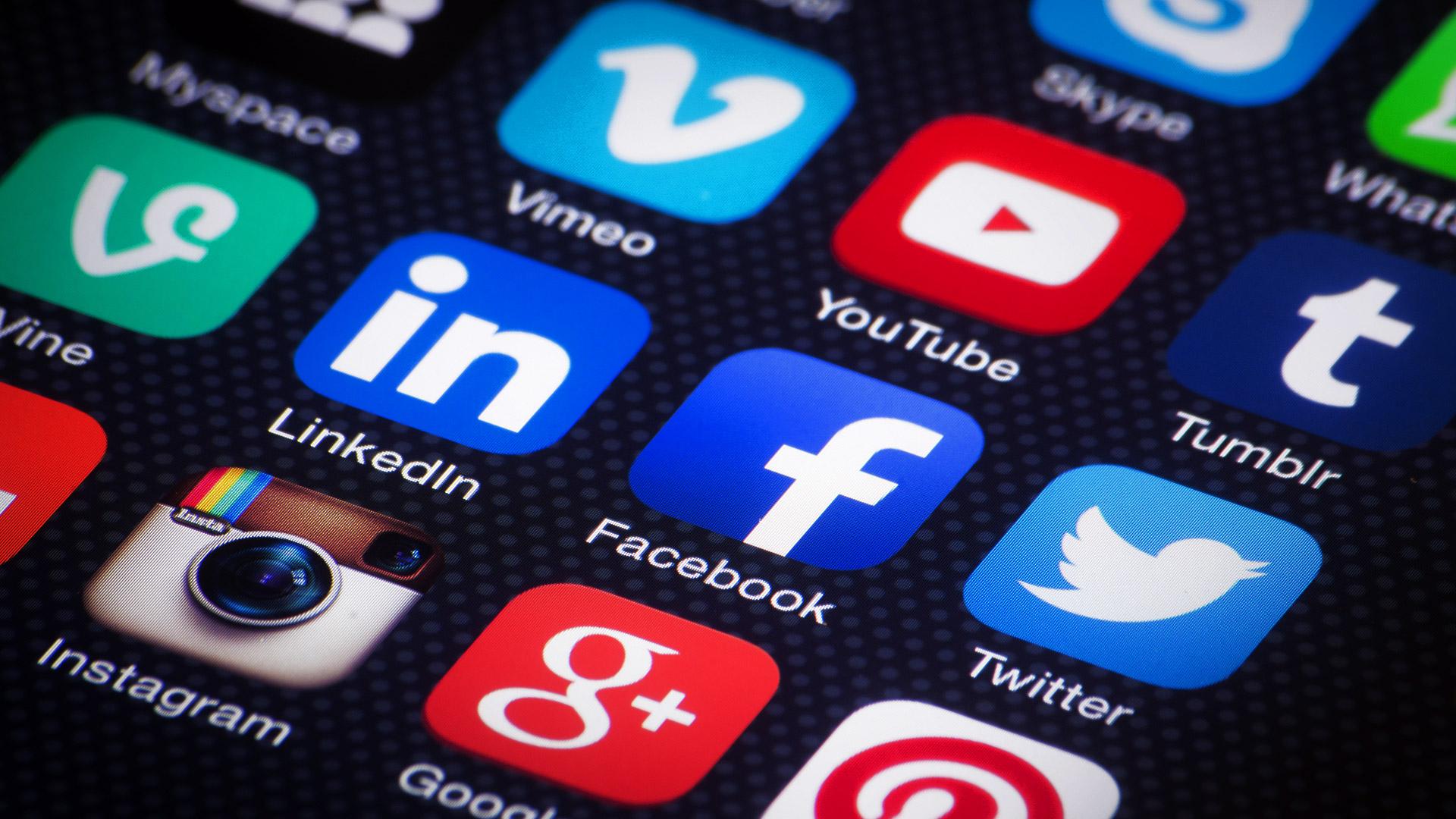 social-media-mobile-apps-ss-1920.jpg