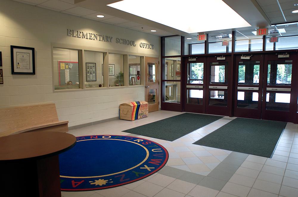 Foyer School .png