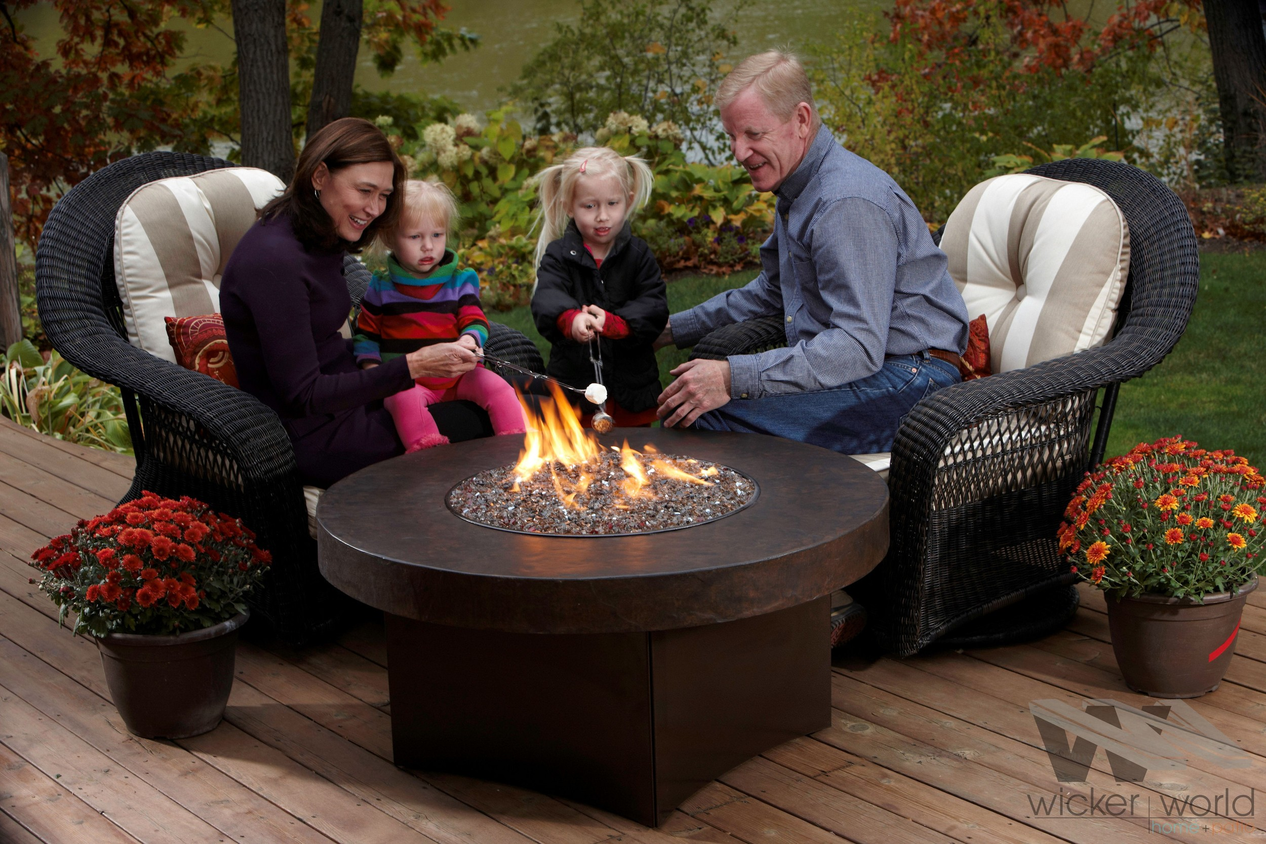 FIREPIT TABLES