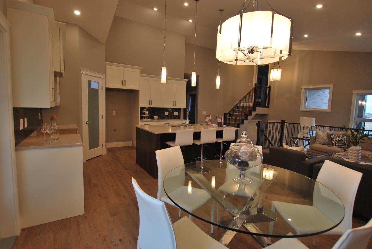 Blackburn XL Kitchen 1.jpg