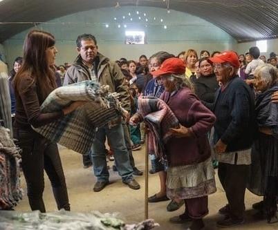Enero 2014. Entrega de cobijas en Perote con Fundación Julián